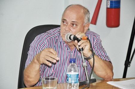 De acordo com a denúncia do MP, o vereador João acompanhava  a assessora no ato de recebimento do salário